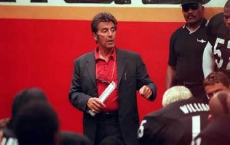 W futbol samemu się nie da, a w kierowaniu drużyną przydaje się bycie Alem Pacino.